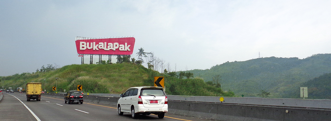 Bukalapak is one of our major clients to name a few. In 2018, EYE were trusted to run a spectacular project, to construct giant landmark measuring more than 480 meter square above the hill of the Cipularang KM 112 toll road, West Java.